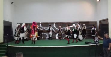 Концерт на фолклорни групи во Општина Могила