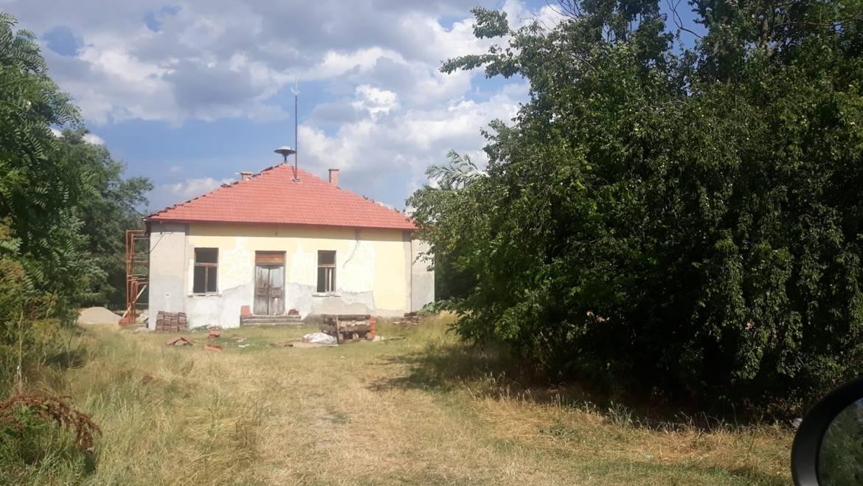 """Започнува реконструкција на ПОУ """"Гоце Делчев"""" во с.Радобор и с.Чарлија"""